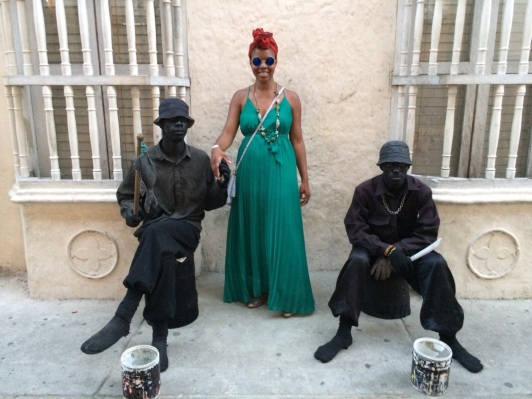 Photo Credit: [Lungi with 2 performance artists on the streets of Cartagena] (N.D). Retrieved December 5, 2015 taken by Ric Moore