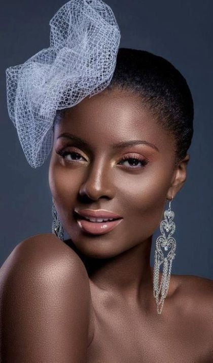 Photo credit: Untitled photo of dark skin nude makeup Retrieved January 30, 2016 from https://www.pinterest.com/pin/398568635744419046/