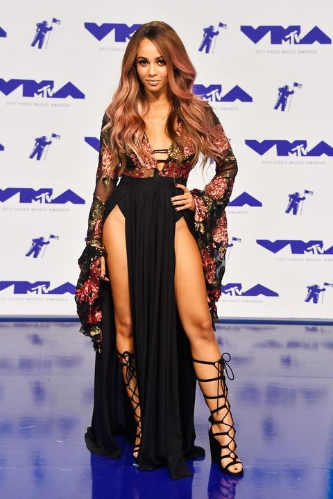 027-vmas-red-carpet-2017-1503875245 vanessa morgan